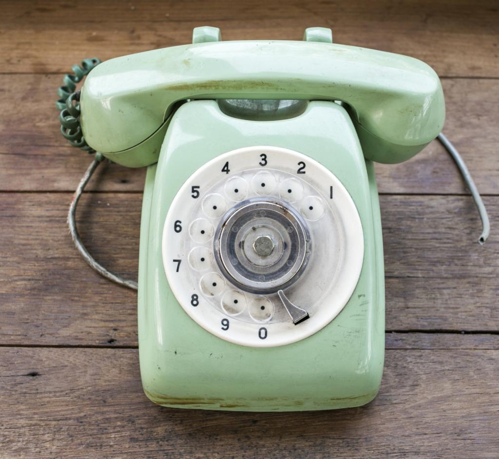 טלפון ליצירת קשר